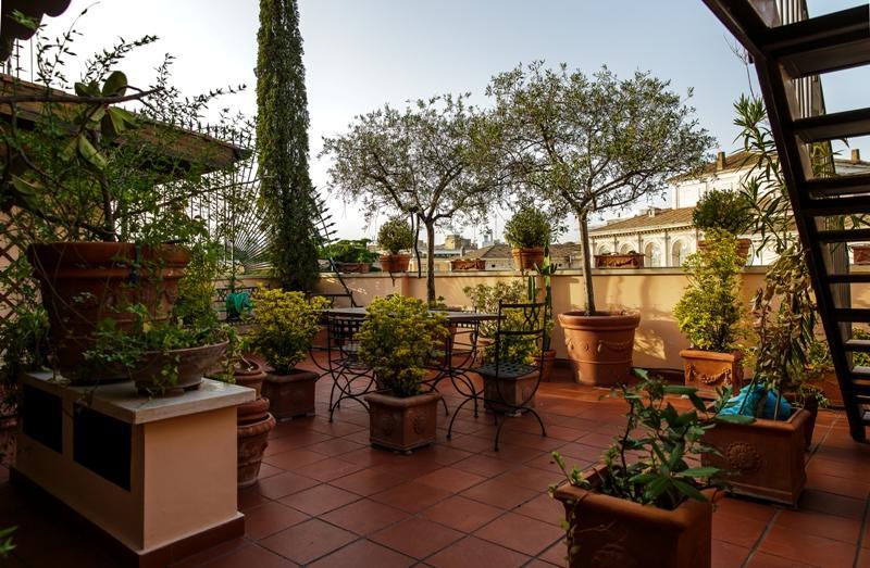 Centro storico appartamento in vendita appartamento in for Vendita appartamenti centro storico roma