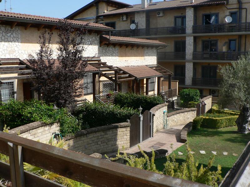 Laurentino appartamento in vendita appartamento in for Affitto ufficio aventino