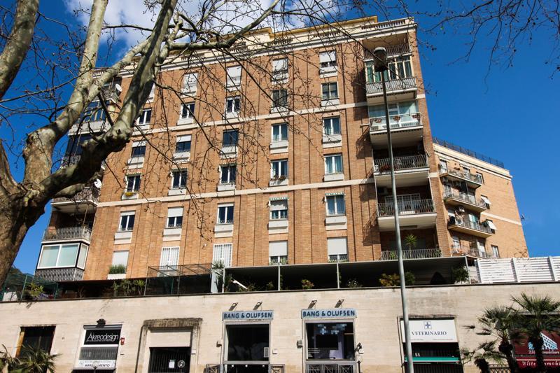 Colombo appartamento in vendita appartamento in vendita for Casa con appartamento seminterrato in vendita