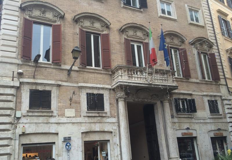 Centro storico appartamento in vendita appartamento in for Compro casa roma centro