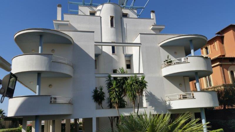 Via del mare ostiense appartamento in vendita for Pianta del piano casa di 800 piedi quadrati