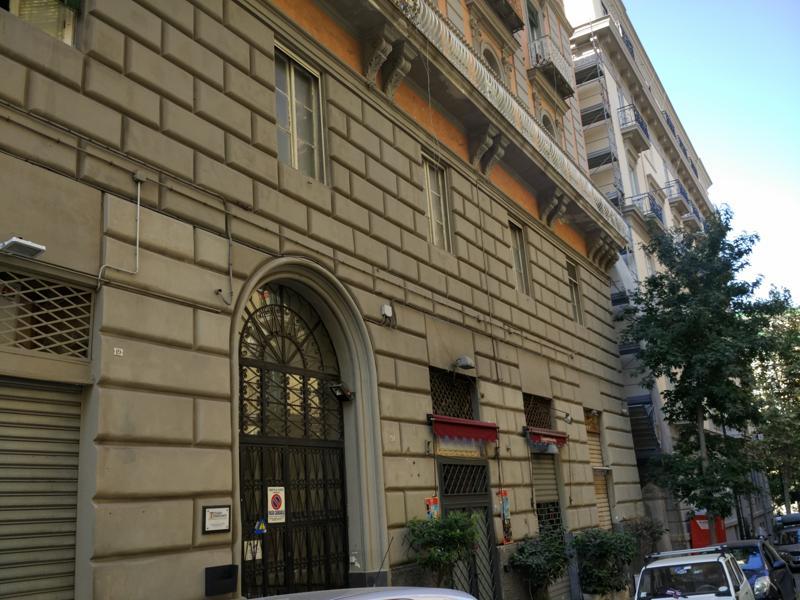 Casa Uso Ufficio : Napoli centro vomero per uso ufficio appartamento in affitto